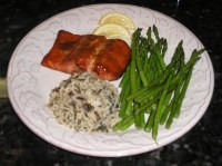 Grilled salmon with rice and asparagus