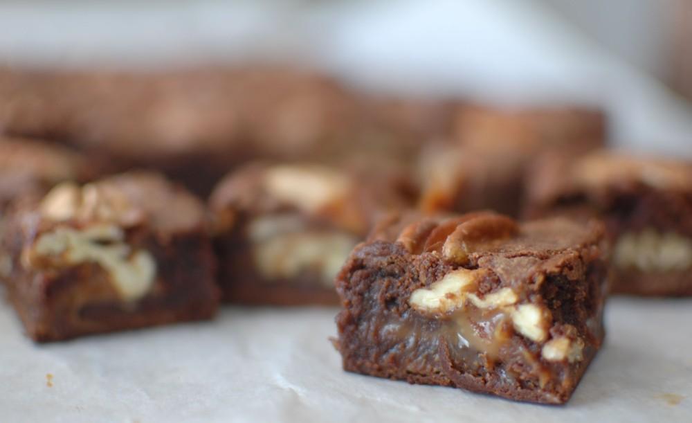 Caramel-Pecan Brownies (1/3)